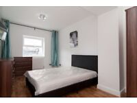 Gorgeous large bedroom available !! Couples welcome !!!
