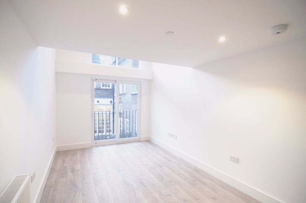 -AVAILABLE NOW! Stunningly modern one bedroom flat with mezzanine available on Kilburn high road
