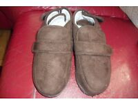 SIZE 5 NEW PAIR OF CHOCOLATE BROWN SLIPPER BOOTS