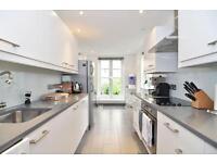 3 bedroom flat in Abingdon Road, High Street Kensington, London W8