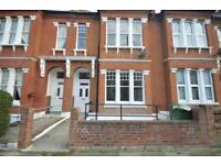 6 bedrooms in Lucien Road, London