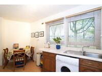 2 bed apartment (separate Lounge) close to Royal Oak/Warwick Avenue/Little Venice 340PW only