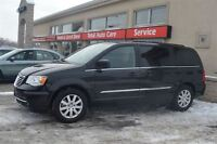 2015 Chrysler Town & Country DVD W/2TV BACK UP CAMERA