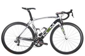 Vélo M2M Ultegra DI2 Carbon 52 cm, roues Carbone, Guidons Carbone 15 Lbs