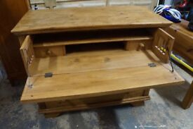 Writing and storage desk