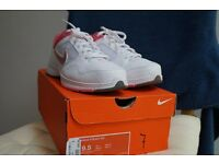 Women's Nike Tennis Trainers Newly New Size 7