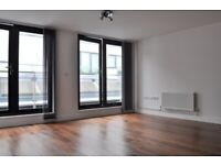 Penthouse Studio with Balcony by Old Street Tube