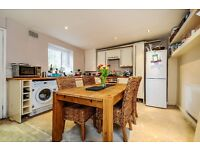A gorgeous two double bedroom Victorian Maisonette with a large private garden