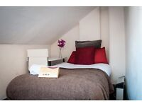 Manchester City Centre - Piccadilly Gardens. Cosy Studio Flat - ONLY £225 per week. Serviced