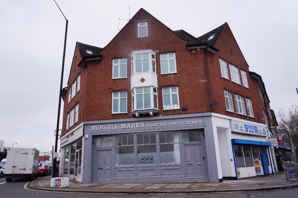 Large two bed flat, East Finchley, N2 - £1,500 per calendar month