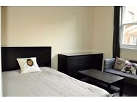 *Spacious Studio, Separate Kitchen & Bathroom Clapham High St. Fully Furnished Direct Landlord*