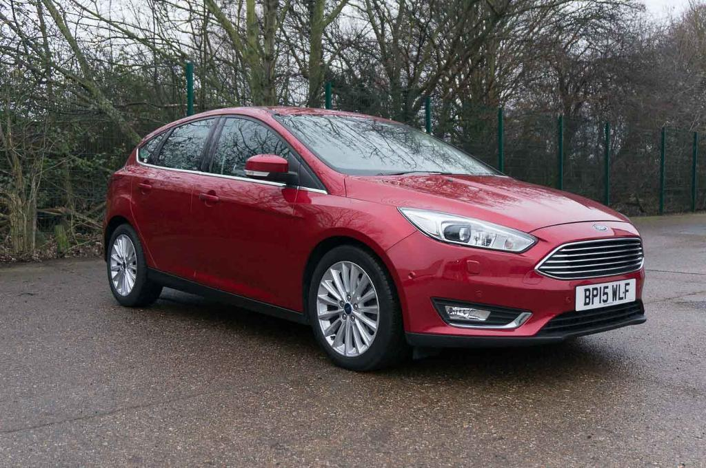 ford focus titanium  tdci navigation candy red