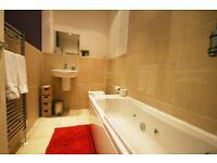 3 bedroom flat in Helmsley Road, Sandyford, NE2