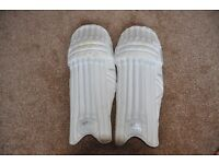 Newbery Kudos Youth cricket pads - Good Condition
