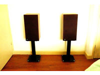 B + W DM 10 2 way stereo speakers minty condition