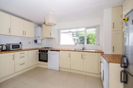 Recently refurbished, conveniently located three double bedroom flat available to rent