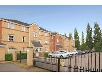 A lovely two bedroom top floor flat to rent in Kingston. Offers Court.