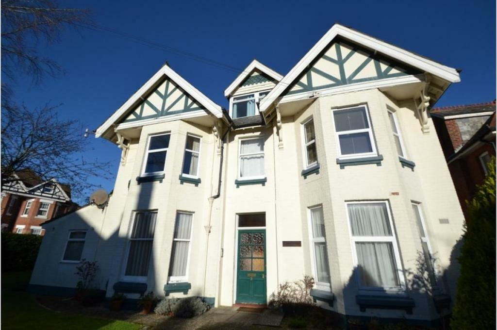 1 bedroom house in Alum Chine, BH4