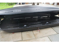 Volvo car roof box. Great condition has been used with some surface scratches. Key