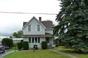 NEW PRICE!!! SPOTLESS! BEAUTIFUL HOME! DEMAND NORTH END OF TOWN!