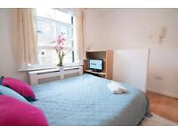 Cozy Self-contained studio with separate kitchen in West Kensington W14 £300pw