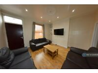 6 bedroom house in Hessle Place, Leeds, LS6 (6 bed) (#1244636)