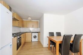 *** Spacious three double bedroom period conversion flat , Mount View Road, N4 ***