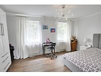Stunning 2 bed maisonette moments from the famous portobello Market! ONLY 2370PCM!!View Now!!