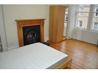TAY STREET - Lovely bright and sunny top floor, two bedroom property available in the Polwarth area