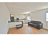 *TWO DOUBLE BEDROOM FLAT AVAILABLE NOW IN EALING BROADWAY*