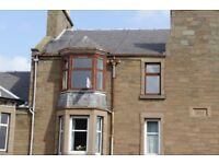 Broughty Ferry King Street. Well presented 2nd floor 2 double bedroom flat; GCH & DG
