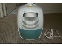 B&Q WDH-610HA Compact Dehumidifier 10 L per day IN PERFECT WORKING ORDER AND CONDITION