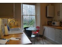 Large holiday let / short term flat Central Edinburgh Marchmont. Wifi. Cot, hi chair. Suit families