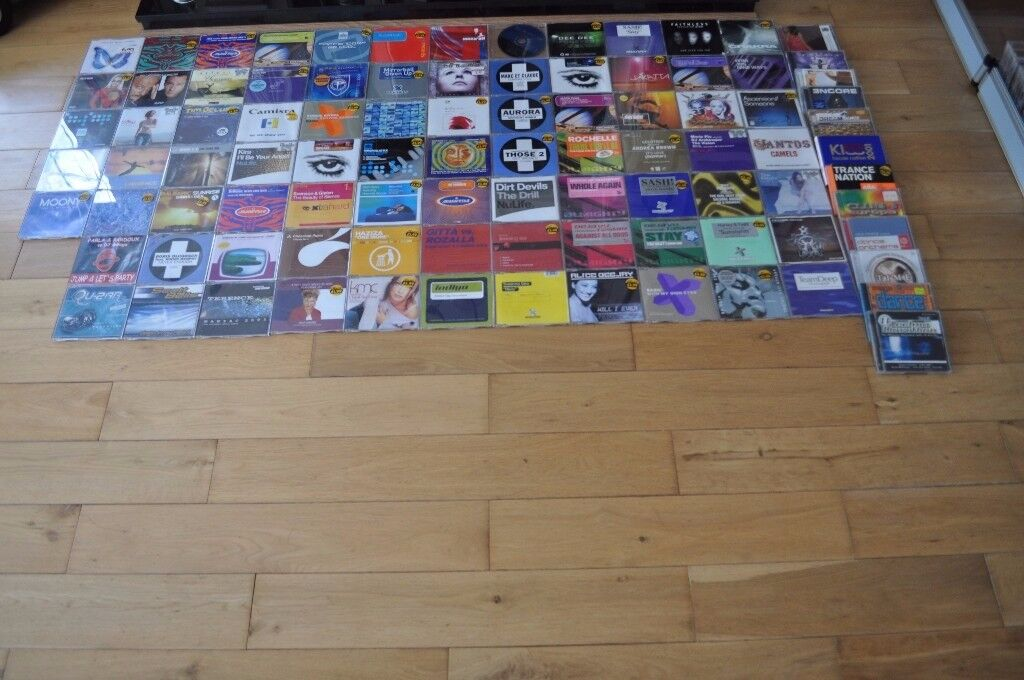 CD COLLECTION WITH STORAGE CASE