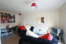 3 bedroom flat in Rialto Building, Melbourne Street, Newcastle Upon Tyne, NE1
