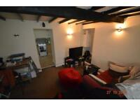 1 bedroom house in Rickard Street , Treforest ,