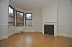 LARGE GROUND FLOOR WARNER FLAT, CLOSE TO BLACKHOURSE ROAD TUBE STATION WITH GARDEN