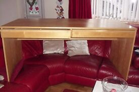 """LARGE IKEA DESK BEECH EFFECT WITH 2 DRAWERS UNDERNEATH THE DESK TOP LENGTH 63"""""""