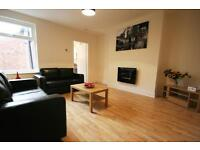3 bedroom flat in Sackville Road, Heaton, Newcastle Upon Tyne, NE6