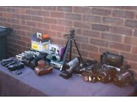 JOB LOT OF CAMCORDERS CAMERAS AND PHOTO EQUIPMENT