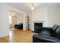 Halton Road N1 - Private Patio, 3 Double Beds ANGEL **795**