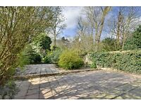 Recently Refurbished view this Modern 3 Bed Duplex Now!!!