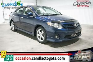 2011 Toyota Corolla S * AUTO * AC * TOIT * MAGS * SEULEMENT 4689