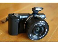 Sony Alpha 5000 + Lens