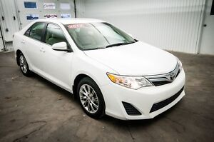 2012 Toyota Camry LE * AUTO * AC * PACK ELECTRIQUE * MAGS *