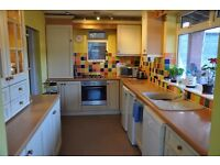 En suite rooms to let in professional household