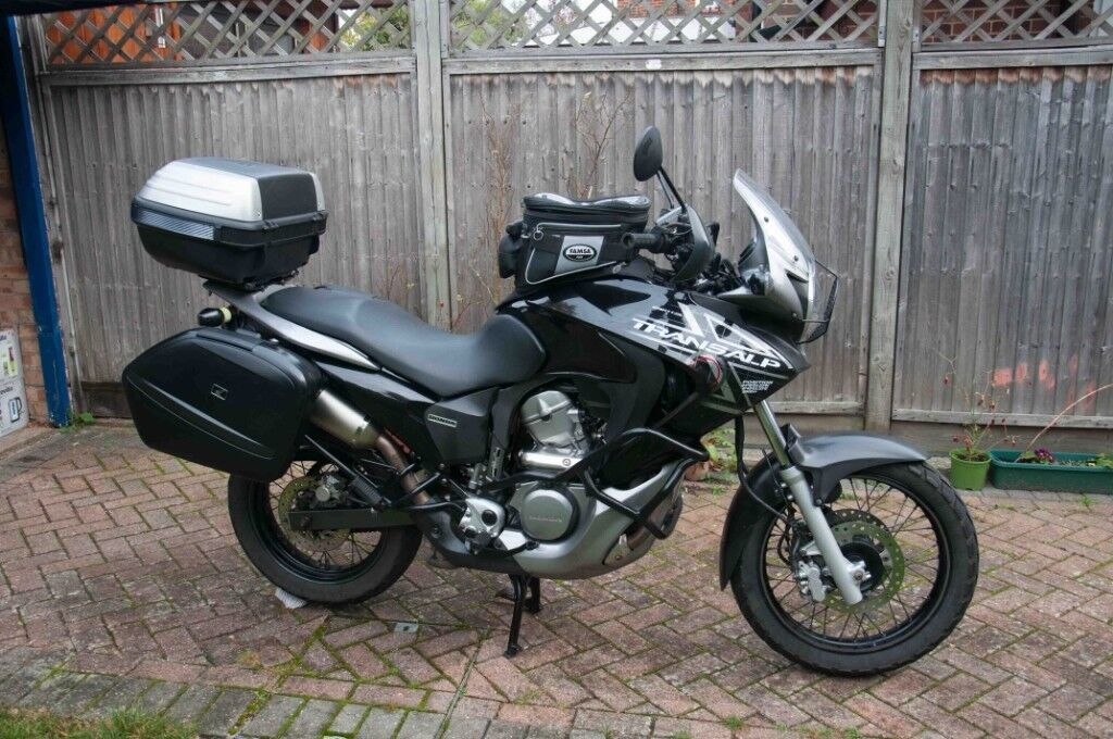2009 honda transalp xl 700 va extras in ash hampshire. Black Bedroom Furniture Sets. Home Design Ideas