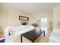 *PRIVATE ROOF TERRACE* A split level three bedroom apartment located on Mirabel Road in Fulham.