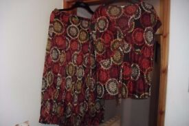 """""""MARKS + SPENCER"""" SKIRT + TOP MATCHING OUTFIT IN BURGUNDY PRINT"""