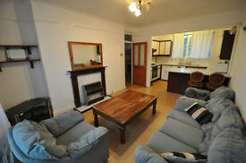 Spacious first floor two bedroom maisonette minutes walk from high street and public transport